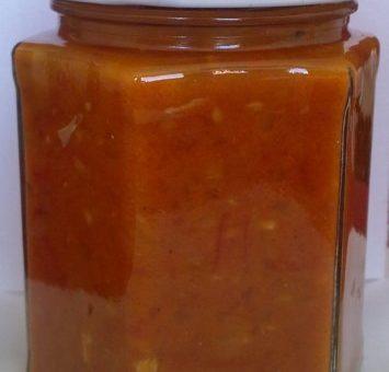 Sladká pálivá omáčka z chilli papriček
